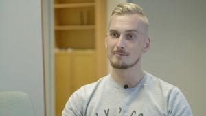 28-vuotiaan Tommin toinen jalka jouduttiin amputoimaan syövän vuoksi.