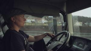 pö östman kör lastbil