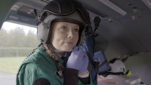 Ensihoitolääkäri Iita Daavittila työskentelee Oulussa