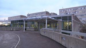 Jorvin sairaalan sisäänkäynti Espoossa.