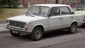 Lada-auto mallia 1200L.