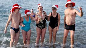 Perinteinen joulu-uinti