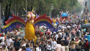 Pyhäinpäivän juhlintaa, Mexico City.