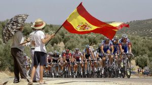 Pyöräilijöitä Cordobassa, Espanja.