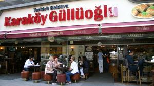 Baklava-kahvila Istanbulissa.