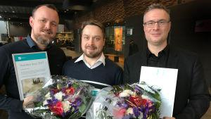 Levyvoittajat Erkki Nisonen, Tommi Hyytinen ja Matthew Whittall.