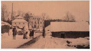 Sjundbyn kartano talvella 1918.