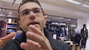 Mika D Rubanovitsch är försäljningsexpert