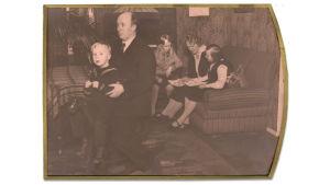 Väinö Pesolan perhe 1931