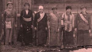 Naispunakaartilaisia Vihdissä 1918