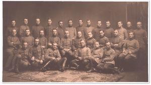 Jääkäripataljoona 27:n saksalainen ja suomalainen päällystö syksyllä 1917 Libaussa/Liepajassa Latviassa.