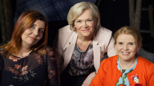 Anne Flinkkilän vieraina autistisen pojan äiti Terhi Vanha ja vammaisaktivisti Jenni-Juulia Wallinheimo-Heimonen.