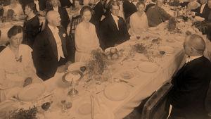 Hääpäivällinen johtja O. Jahnin kotona 1918.