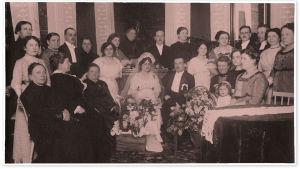 Skinnarilan hovi 29.4.1914 hääväkeä Alma ja Toivo Kuulan vihkiäisissä.