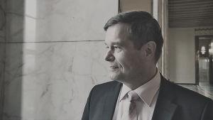 Porträtt av Kari Tolvanen