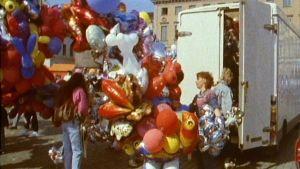 Ilmapallokauppias (1990).