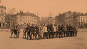 Helsingin Jääkäriprikaati harjoittelee 1918.