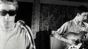 Roger Daltrey ja Pete Townshend soittavat The High Numbers -yhtyeen, myöhemmän The Whon, konsertissa.