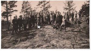 Aarre Merikanto Vöyrin sotakoulun kurssilla Helsingissä toukokuussa 1918.