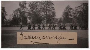 Saksalaisia marssimassa Vöyrin kurssilla Helsingissä toukokuussa 1918.