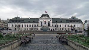 Presidentin linna Slovakian pääkaupungissa Bratislavassa.