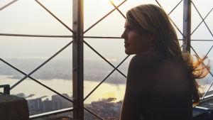 Elokuvaohjaaja Alli Haapasalo New Yorkissa.