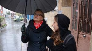 Kuvvassa toimittaja-kirjailija Pia Ingström Istanbulissa.