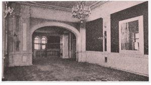 Remontoidun Aleksanterin teatterin lämpiö 1919.