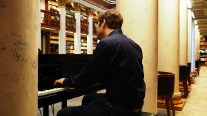 Pianisti Kristoffer Gylling huhtikuussa 2018.