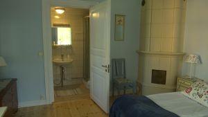 Ett av rummen i Villa Maija.