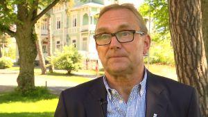 Hangös stadsdirektör Denis Strandell.