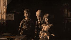 Jean Sibelius ja Katarinan lapset Merike ja Jan.