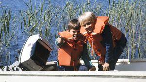Janne Auvinen ja Antti Majanlahti seikkailivat Olavinlinnassa vuonna 1978.