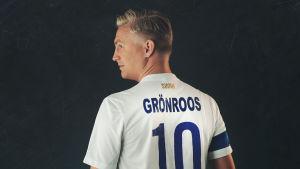 Janne Grönroos för podcasten Pärkele