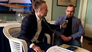 Tohtorit lavalla - Olli Seuri haastattelee Reijo Perälää tämän väitöstyöstä Lapuan liike ja sanan mahti (1998) kesäkuussa 2018.