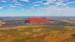 Luontodokumentissa nähdään Australian jylhimmät ja ikonisimmat maamerkit ylhäältä katsottuna.