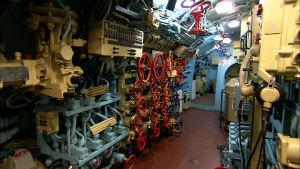 B-440-sukellusvene sisältä.