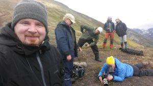 Operaatio Alaskan kuvausryhmä vuoren rinteellä.