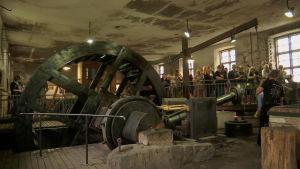 Vattenhjulet och den stora hammaren