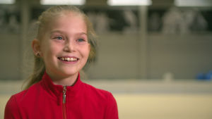Rytmiska gymnasten Lia Kallio, 11 år. 2018.