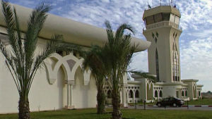 Gazas internationella flygplats då den var ny 1998.