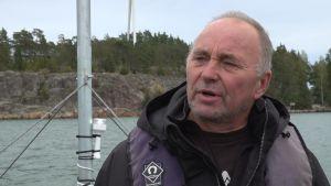 Yrkesfiskaren Olavi Sahlsten.