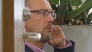 Utvecklingsdirektör Kristian Wahlbeck på Föreningen för mental hälsa i Finland