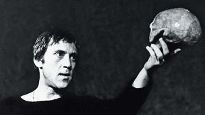 Vladimir Vysotski Hamletina Moskovan Taganka-teatterissa 1971.