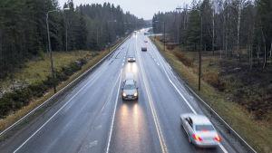 Liikennettä ysitiellä Tampereella