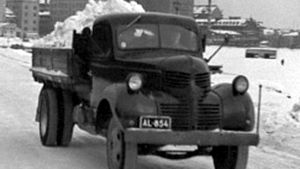 Kuorma-auto lumilastissa