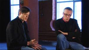 Claes Olsson ja Christian Moustgaard haastateltavina ohjelmassa Maanalaista menoa.