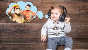 Liten pojke framför trävägg med hörlurar och tankebubbla med Bärtil och Isa Gris.