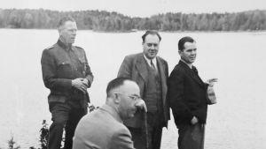 Felix Kersten ja Heinrich Himmler pääministeri Rangellin mökillä Suomessa 1942