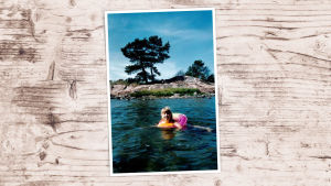 Li Andersson pikkutyttönä uimassa meressä